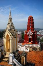 Věž prang ve městě Phetchaburi, Thajsko